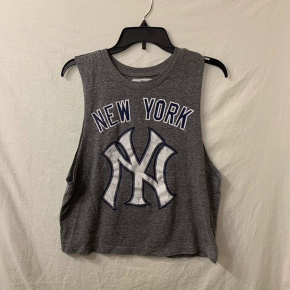 Genuine Merchandise Tops - Genuine Merchandise New York Yankee M Tank Top